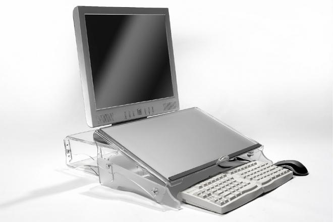 Das FlexDesk 640 wird zwischen Tastatur und Bildschirm platziert