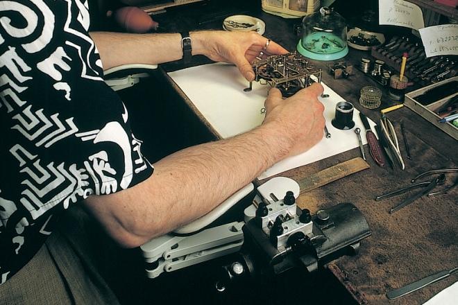 ErgoRest in der Uhrmacherwerkstatt