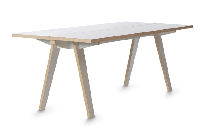 Steck ist ein Tisch in schlichtem Design
